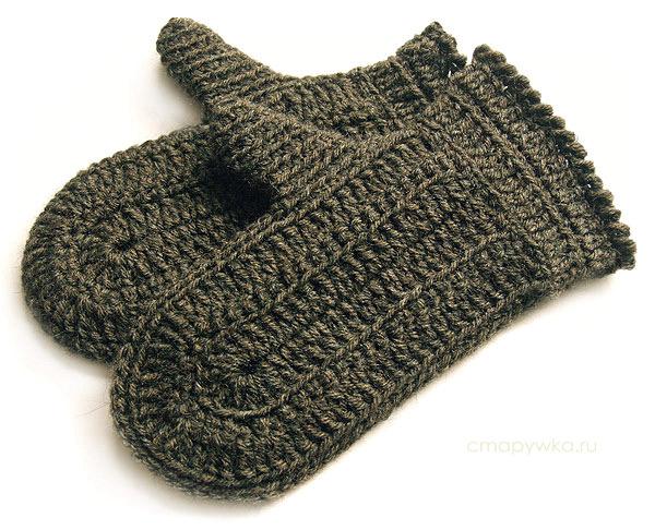 Обычно надевалось несколько пар рукавиц : сначала вязаные (их называли исподочки), а затем меховые - мехом наружу...